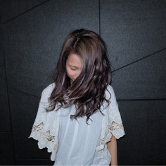 ハイライト アッシュ ゆるふわ グラデーションカラー ヘアスタイルや髪型の写真・画像