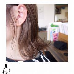 ベージュ ダブルカラー ナチュラル ミディアム ヘアスタイルや髪型の写真・画像