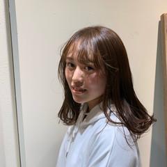 セミロング ヘアアレンジ ナチュラル 前髪アレンジ ヘアスタイルや髪型の写真・画像
