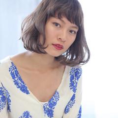 ヌーディーベージュ 前髪 デート ナチュラルベージュ ヘアスタイルや髪型の写真・画像