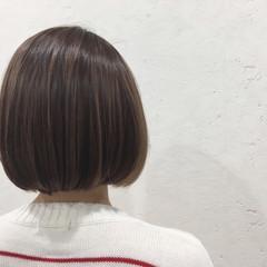 ボブ ラベンダーアッシュ ショートボブ 切りっぱなし ヘアスタイルや髪型の写真・画像