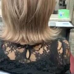 ブラウンベージュ ナチュラル ミディアム アッシュベージュ ヘアスタイルや髪型の写真・画像