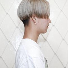 ハイトーン ショート ミルクティーベージュ ストリート ヘアスタイルや髪型の写真・画像