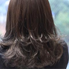 外国人風 グレージュ ミディアム ブルージュ ヘアスタイルや髪型の写真・画像