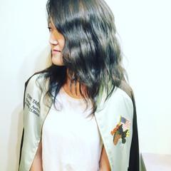 外国人風 セミロング アッシュ 色気 ヘアスタイルや髪型の写真・画像