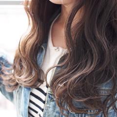 アッシュベージュ グレージュ ロング ハイライト ヘアスタイルや髪型の写真・画像