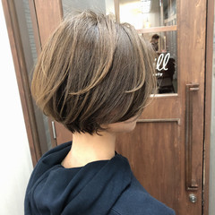 ナチュラル シアーベージュ ショートヘア ミニボブ ヘアスタイルや髪型の写真・画像