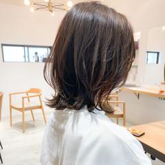 大人かわいい 切りっぱなしボブ ナチュラル アウトドア ヘアスタイルや髪型の写真・画像