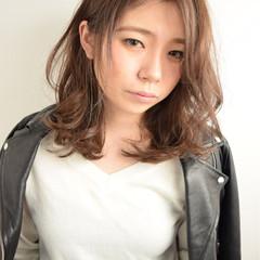 セミロング かっこいい 外国人風 外ハネ ヘアスタイルや髪型の写真・画像