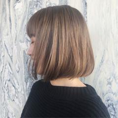 ナチュラルベージュ ボブ ミルクティーベージュ ハイトーンカラー ヘアスタイルや髪型の写真・画像