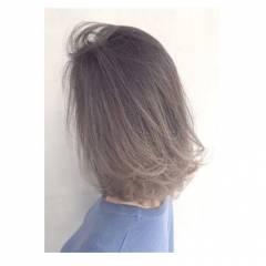 センターパート ストリート ミディアム ウェットヘア ヘアスタイルや髪型の写真・画像