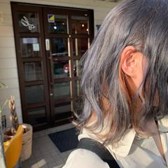 セミロング デザインカラー シルバー モード ヘアスタイルや髪型の写真・画像