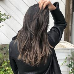 グラデーションカラー ロング ナチュラル グレージュ ヘアスタイルや髪型の写真・画像