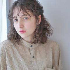 ゆるふわパーマ 切りっぱなしボブ 無造作パーマ フェミニン ヘアスタイルや髪型の写真・画像