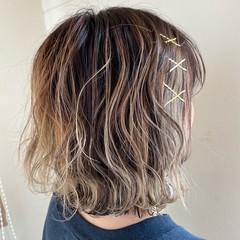 巻き髪 ヘアピン ショートボブ ガーリー ヘアスタイルや髪型の写真・画像