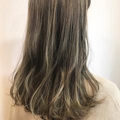 外国人風 ハイライト グレージュ 外国人風カラー ヘアスタイルや髪型の写真・画像