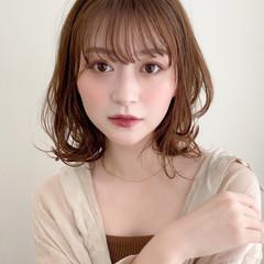 小顔 大人かわいい ナチュラル レイヤーカット ヘアスタイルや髪型の写真・画像