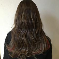 セミロング モード インナーカラー レッド ヘアスタイルや髪型の写真・画像