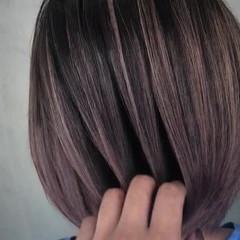 バレイヤージュ ボブ ハイライト グレージュ ヘアスタイルや髪型の写真・画像