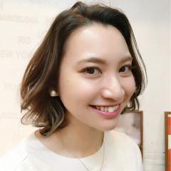 ミディアム 外ハネ フェミニン 外国人風カラー ヘアスタイルや髪型の写真・画像
