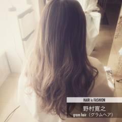 外国人風 グラデーションカラー グレージュ フェミニン ヘアスタイルや髪型の写真・画像