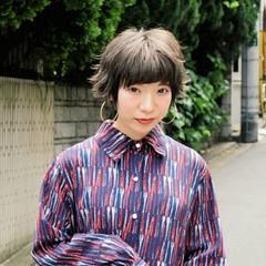ストリート パーマ グレージュ ショート ヘアスタイルや髪型の写真・画像
