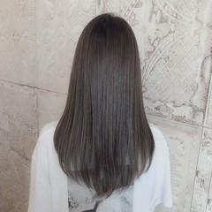 ストリート ロング アッシュグレージュ エアーストレート ヘアスタイルや髪型の写真・画像