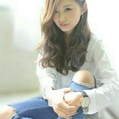 外国人風 ゆるふわ 波ウェーブ 大人かわいい ヘアスタイルや髪型の写真・画像