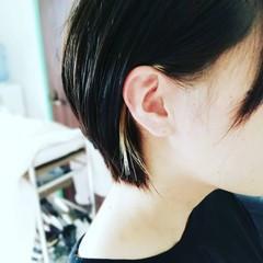 オリーブアッシュ インナーカラー ショート アッシュ ヘアスタイルや髪型の写真・画像
