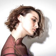 外国人風 ウェーブ モード 色気 ヘアスタイルや髪型の写真・画像