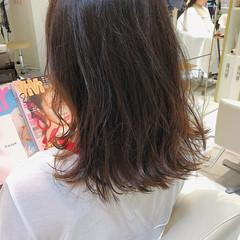 3Dハイライト ミディアム 外ハネ 巻き髪 ヘアスタイルや髪型の写真・画像
