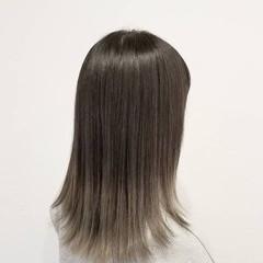 ブリーチ ハイトーン ナチュラル ホワイト ヘアスタイルや髪型の写真・画像