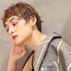 無造作パーマ モード ハイライト ウルフカット ヘアスタイルや髪型の写真・画像