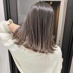 グレージュ グラデーションカラー ラベンダーグレージュ アッシュグレー ヘアスタイルや髪型の写真・画像