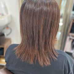 レイヤーロングヘア ナチュラル 髪質改善 髪質改善カラー ヘアスタイルや髪型の写真・画像