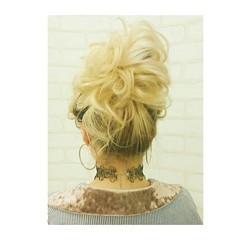 ヘアアレンジ リラックス セルフヘアアレンジ シニヨン ヘアスタイルや髪型の写真・画像