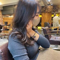 極細ハイライト インナーカラー 大人ハイライト 3Dハイライト ヘアスタイルや髪型の写真・画像