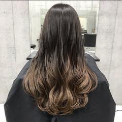 ナチュラルブラウンカラー フェミニン ロング モテ髪 ヘアスタイルや髪型の写真・画像