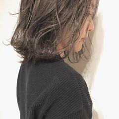 セミロング ナチュラル ベリーショート インナーカラー ヘアスタイルや髪型の写真・画像