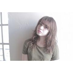 アッシュ ミディアム ブラウン ピュア ヘアスタイルや髪型の写真・画像