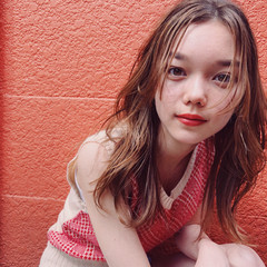 フェミニン パーティ セミロング 簡単ヘアアレンジ ヘアスタイルや髪型の写真・画像