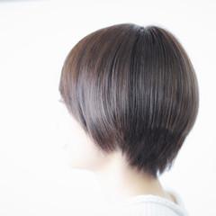ボブ アッシュグレージュ ホワイトアッシュ ナチュラル ヘアスタイルや髪型の写真・画像