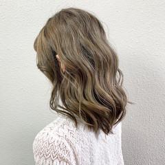 ガーリー グラデーションカラー バレイヤージュ セミロング ヘアスタイルや髪型の写真・画像