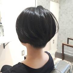 刈り上げ ナチュラル 黒髪 耳かけ ヘアスタイルや髪型の写真・画像