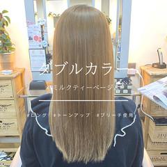 ロング ミルクティーベージュ ブリーチカラー 艶髪 ヘアスタイルや髪型の写真・画像