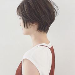 オフィス 抜け感 ショート ナチュラル ヘアスタイルや髪型の写真・画像