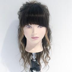 ヘアアレンジ ナチュラル ロング アウトドア ヘアスタイルや髪型の写真・画像