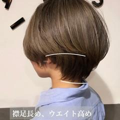 ショートヘア グレージュ 大人ショート ショートボブ ヘアスタイルや髪型の写真・画像