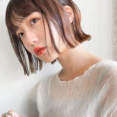 ミニボブ 切りっぱなしボブ ショートヘア アンニュイほつれヘア ヘアスタイルや髪型の写真・画像