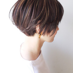 大人女子 ハイライト ショート ナチュラル ヘアスタイルや髪型の写真・画像